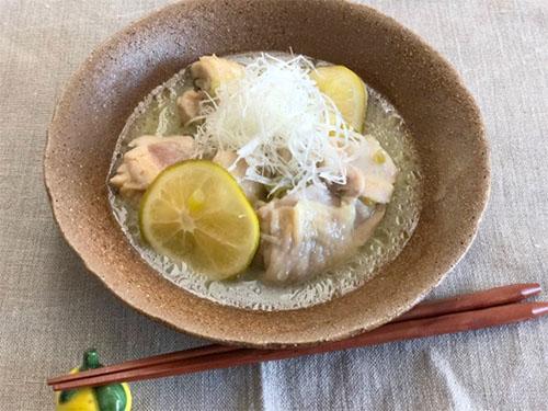 レモネードシロップで作るおかず! 鶏肉のさっぱりレモン蒸し